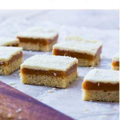 Caramel Witte Chocolade Koek met Kokos gemaakt door ZOET! #Caramel #Witte #Chocolade #Koek #Kokos #ZOET #Theehuis #Lunchroom #Zeist