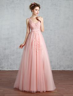 Formal Evening Dress A-line V-neck Court Train Lace / Tulle with Beading / Lace / Pearl Detailing / Sequins 4910636 2016 – $149.99