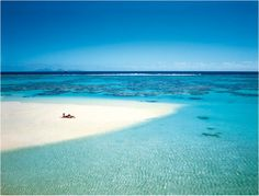 Une plage du Brando... découvrez cet hôtel de luxe: http://journalduluxe.fr/the-brando-hotel-polynesie/