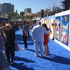 Behind the scenes at the Storks movie premiere in Westwood. Can you imagine yourself on this awesome light blue carpet with all the stars of the film? #Storks #LosAngeles #premiere #events - http://ift.tt/1HQJd81