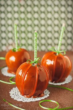 "Clever caramel apple pumpkins with a fab ""how to"" pictorial!"