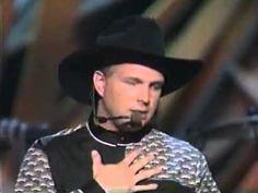 """Garth Brooks - 1992 - """"The River"""" country music awards. Growing up during the new traditionalist hat act era of country music was amazing! Country Music Stars, Best Country Music, Country Music Videos, Country Songs, Music Love, Rock Music, My Music, The River Garth Brooks, Musica Country"""
