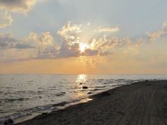 Luxury+Beach+House+-+Sandy+Beach+-+Spectacular+Sunsets+++Vacation Rental in Grand Bend from Sunset Vacations, Convertible Bed, Lake Huron, Cottage Homes, Home And Away, Sunsets, Beach House, 30th Birthday, Luxury