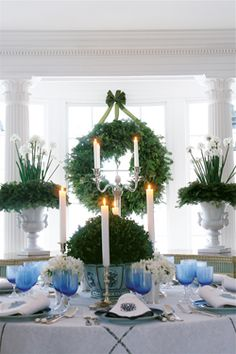 Another Carolyne Roehm tablescape
