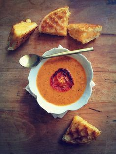 The best ever Creamy Roasted Tomato Soup with grilled cheese waffles!! Both recipes are #paleo #glutenfree #vegan.