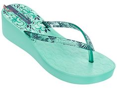 Ipanema Deco III Platform Flip Flops femmes / Sandales - or - Chaussures ipanema (*Partner-Link) Ipanema Sandals, Platform Flip Flops, Or Rose, Slippers, Footwear, Wedges, Clothes For Women, Deco, Lady