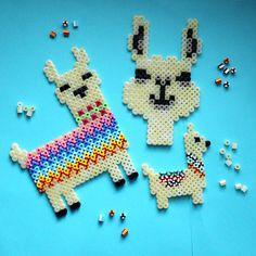 Flamingo & Lama – craft ideas for Foam Clay & Hama iron-on beads Perler Bead Designs, Hama Beads Design, Diy Perler Beads, Perler Bead Art, Pearler Beads, Fuse Beads, Melty Bead Patterns, Hama Beads Patterns, Beading Patterns