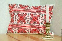 Славянская вышитая подушка