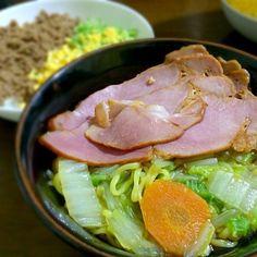 寒くなると麺類が増えるなぁ… - 7件のもぐもぐ - 醤油ラーメン&3色ごはん by emi77mama