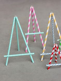 Wants and Wishes: Party planning: Paper Straw Easel DIY Paper Straw Easel would work great for food labels at an art party. Should you love arts and crafts you really will love this site! Kids Crafts, Diy And Crafts, Craft Projects, Paper Crafts, Craft Ideas, Kunst Party, Papier Diy, Art Birthday, Paper Straws