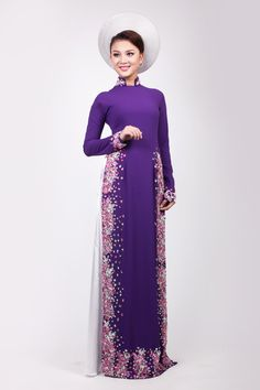 Dù kết hợp khăn đóng cùng tông với áo dài hoặc làm nền tôn vinh chiếc áo nhưng cô dâu cần chú ý tới tỷ lệ tương xứng giữa vóc dáng và kích thước khăn. -  Ngôi sao