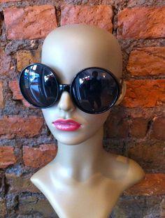 Vintage Sunglasses, Cat Eye Sunglasses, Facebook, Eyes, Fashion, Moda, Fashion Styles, Fashion Illustrations, Cat Eyes