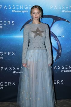 Jennifer Lawrence Arrive at passengers Paris Photocall (11/29)