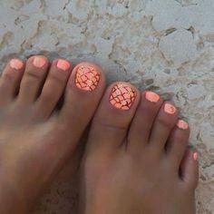 Beach pedicure, summer toenails, orange pedicure, summer pedicure colors, s Beach Toe Nails, Beach Pedicure, Cute Toe Nails, Summer Toe Nails, Toe Nail Art, Manicure And Pedicure, Fun Nails, Summer Pedicures, Pedicure Ideas Summer