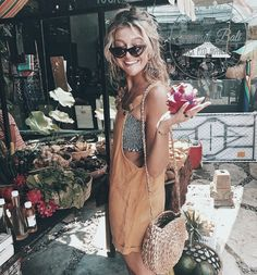 Cute peach overalls over black and white tube top. Cute peach overalls over black and white tube top. Fashion Mode, Look Fashion, Womens Fashion, Fashion 2016, Fashion Trends, Spring Summer Fashion, Spring Outfits, Spring Break, Style Summer