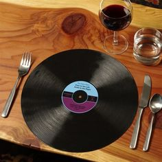 :DDDDDD awesome placemats for audiophiles!!!