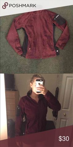 Columbia Jacket Maroon Fleece Columbia Jacket with arm pockets Columbia Jackets & Coats