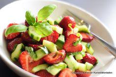Erdbeer-Gurken-Salat mit Balsamico-Dressing