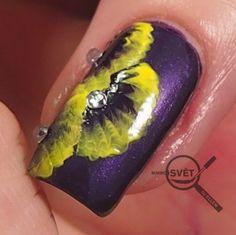 Nail Art, Nails, Flowers, Finger Nails, Ongles, Royal Icing Flowers, Nail Arts, Nail Art Designs, Nail