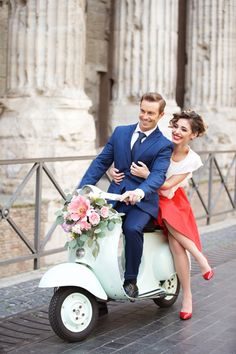 There are no words to describe how totally smitten we are over this engagement shoot by Kairos Events and Wedding Scenario. Inspired by Audrey Hepburn and Gregory Peck's enchanting vespa ride through the bustling streets of Rome in the beloved . Photo Couple, Couple Shoot, Engagement Shoots, Engagement Pictures, Engagement Ring, Vespa Wedding, Retro Roller, Vespa Girl, Roman Holiday