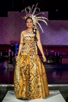 Ngatu (tapacloth) dress by Island Mana Designs Tapas, Tahitian Costumes, Dress Outfits, Fashion Outfits, Diy Fashion, Island Wear, Costume Design, Dress Making, Designer Dresses
