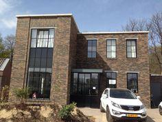 Nieuwbouw woning Strijp R door BroerenDas bouwbedrijf vooraanzicht