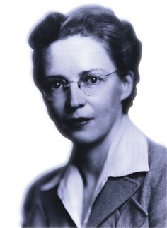 Elsie MacGill (aeronautical engineer) was the 1st woman aircraft designer in the world #IWD #STEM http://www.women-innovation.technomuses.ca/