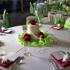 Cake Centerpieces For Weddings : 1000+ images about Tablescapes on Pinterest Table ...