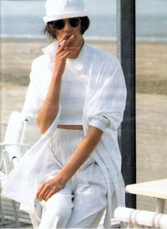 Elle France May 1985 | Clare Dhelens by Pamela Hanson