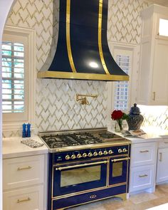 """""""The ILVE USA range was at the top of my list and I went bananas over it in the midnight blue. We spend a lot of time in here & it's the focal point of our kitchen."""" - Designer Shay from IBB Design Fine Furnishings Cheap Backsplash Tile, Blue Backsplash, Kitchen Vent, Kitchen Backsplash, Ibb Design, Country Kitchen Accessories, French Country Kitchens, French Kitchen, Victorian Kitchen"""