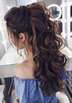 14 Cutest Side Ponytail Ideas for 2019 That You Need to See! in 2020 14 Cutest Side Ponytail Ideas for 2019 That You Need to See! in 2020 Quince Hairstyles, Prom Hairstyles For Long Hair, Long Curly Hair, Curly Hair Styles, Cool Hairstyles, Hairstyle Wedding, Hairstyle Short, Hairstyle Ideas, Long Hair Wedding Styles