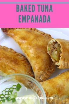 Empanada comes in many different versions. If you love tuna and empanada, then this Baked Tuna Empanada is for you. It's very tasty, guilt-free and healthy kind of snack that you can prepare for your family. It's time to prepare a different kind of empanada at home. Tuna Recipes, Mexican Food Recipes, Baking Recipes, Snack Recipes, Snacks, Filipino Recipes, Filipino Food, Puff And Pie, Empanadas Recipe