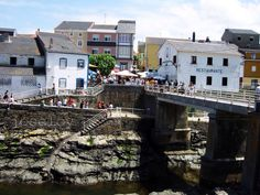 Ribadeo Puerto Rinlo . Lugo Homeland, Paradise, Mansions, House Styles, Norte, Drive Way, Beach, Viajes, Pictures