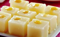 - Limonlu Lokum Turkish Delight with Lemon Jello Recipes, Dessert Recipes, Ph Of Foods, Cute Food, Good Food, Turkish Recipes, Ethnic Recipes, Turkish Delight, World Recipes
