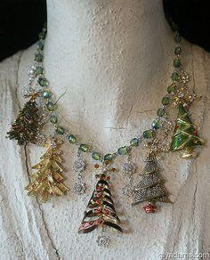 A1732 kay adams | by kayadams.com Jewelry Mirror, Old Jewelry, Beaded Jewelry, Jewelery, Jewelry Making, Christmas Necklace, Christmas Jewelry, Handmade Christmas, Christmas Crafts