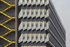 Siemens HQ in Masdar City,© Huffton + Crow