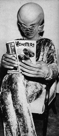 I write horror. I love horror, movies, comics and novels. Sci Fi Tv, Sci Fi Horror, Sci Fi Movies, Scary Movies, Horror Movies, Scary Monsters, Famous Monsters, The Outer Limits, Classic Sci Fi