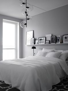 6 Respected Clever Ideas: Minimalist Home Ideas Wall Colors minimalist bedroom wall simple.Minimalist Bedroom Simple Floor Beds minimalist home decorating printable art.Minimalist Home Exterior Gardens. One Bedroom, Home Decor Bedroom, Design Bedroom, Bedroom Furniture, Master Bedrooms, Fall Bedroom, Wall Design, Grey Wall Bedroom, White Gray Bedroom
