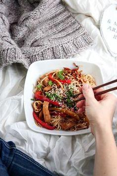 Chińszczyzna z kurczakiem Snack Recipes, Cooking Recipes, Healthy Recipes, Healthy Dishes, Healthy Eating, Salty Foods, Asian Recipes, Ethnic Recipes, Diet And Nutrition
