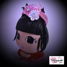 Kanzashi - Faixa para cabelo Kanzashi Flowers, Cri, Bows, Headbands, Christmas Ornaments, Nice, Holiday Decor, Instagram Posts, Home Decor