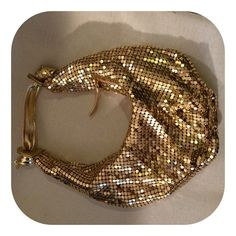 🎈🎉Host Pick🎈🎉Gold Link Hobo Style Evening Bag 🎈🎉Host Pick: Best in Bags 1/5/2016 🎉🎈❄️BLIZZARD SALE!!!❄️ My closet is on sale all wknd!!!! ❄️☃ Fun little gold shimmer metal linked hobo style evening bag, with  metal detail, and a cute and perfectly sized handle  for hanging comfortably on your lower arm or carrying, with knotted ends on handle strap. Lightweight, Very cute, great for a night out when you don't want to carry a bigger bag and want to dress it up a little bit!! NWOT Bags