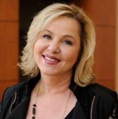 Susie Carder - California Women's Conference 2014 Speaker Profile