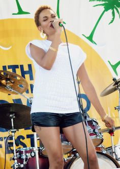 Goapele and her dynamic music bring the house down at the Powerfest.