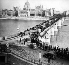 Kossuth Bridge,, 1956 Budapest, Hungary Old Pictures, Old Photos, Vintage Photos, Time Travel, Places To Travel, Heart Of Europe, Travel Memories, Budapest Hungary, Historical Photos