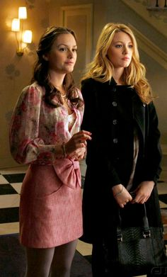 Blair Waldorf looked feminine and chic in a Tibi Bow-Front Skirt paired with a floral blouse and grey tights on Gossip Girl. Shop her skirt: http://www.pradux.com/tibi-bow-front-mini-skirt-10395?q=s1