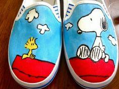 Peanuts' Snoopie Woodstock Shoes Painted by Angelika Albaladejo Vans-Gogh: Hand-Painted Shoes Painted Canvas Shoes, Custom Painted Shoes, Painted Sneakers, Hand Painted Shoes, Custom Shoes, Painted Toms, Custom Vans, Snoopy Shoes, Sharpie Shoes
