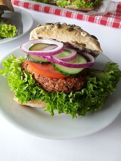 Tasty, Yummy Food, Salmon Burgers, Food And Drink, Pizza, Ethnic Recipes, Delicious Food