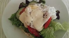 """#Cohen Diet - """"Egg Benedict"""" for breakfast   I used 1 rice cake, some lettuce, tomato and cucumber to make up my vegetables and layered it on the rice cake. Then I poached an egg in boiling water with a table spoon of vinegar for 3 minutes and put it on top. I dressed it with Trim mayonnaise Cohen Diet Recipes, Egg Benedict, Rice Cakes, Poached Eggs, Mayonnaise, Lettuce, Vinegar, A Table, Cucumber"""