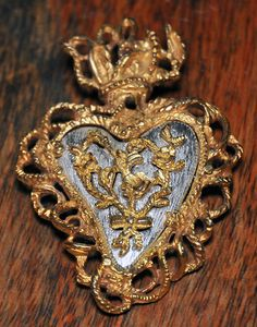 "Christian Lacroix heart brooch ""Noël 97""."