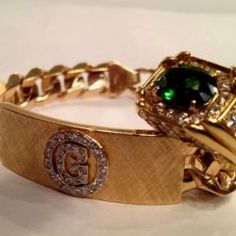 Fans of Elvis Presley have a chance to purchase jewelry owned by the King of Rock and Roll.